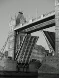 Puente de la torre de Londres levantado Fotografía de archivo