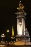 Puente de la torre Eiffel y de Alexander III. París. Fotos de archivo libres de regalías