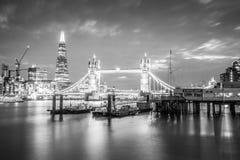 Puente de la torre en BW Imagen de archivo