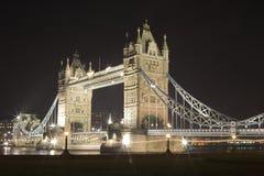 Puente de la torre en la noche Fotografía de archivo