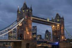 Puente de la torre en la noche Fotografía de archivo libre de regalías