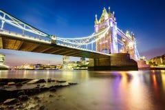 Puente de la torre en Londres, Inglaterra fotografía de archivo