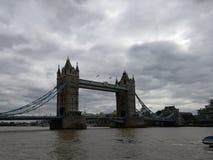 Puente de la torre en Londres inglaterra fotografía de archivo