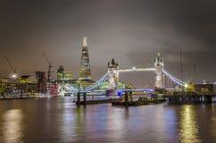 Puente de la torre y el casco Foto de archivo libre de regalías