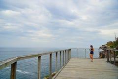 Puente de la visi?n del mar en Diamond Bay en Sydney imagen de archivo