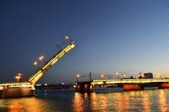 Puente de Liteyny en la noche Fotografía de archivo libre de regalías