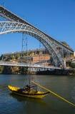 Puente de los Dom Luis I en Oporto imagen de archivo