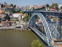 Puente de los Dom Luis I en Oporto, Portugal Imagen de archivo libre de regalías