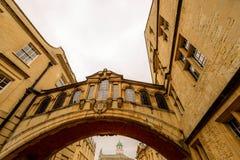 Puente de los suspiros y del nuevo carril de la universidad, Oxford, Reino Unido Fotografía de archivo