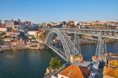 Puente de Luis I a través del río del Duero en Oporto, Portugal imágenes de archivo libres de regalías