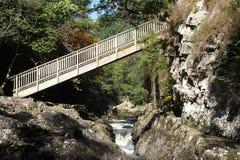 Puente de madera. Imagenes de archivo