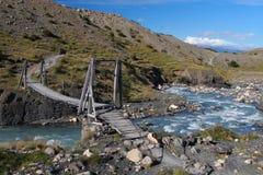 Puente de madera colgante Fotos de archivo libres de regalías