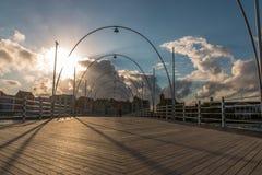 Puente de madera de Emma por salida del sol Imagen de archivo libre de regalías