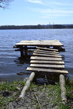 Puente de madera de la pesca Foto de archivo libre de regalías