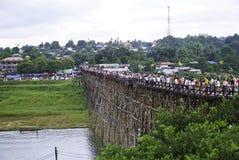 Puente de madera de lunes Fotos de archivo libres de regalías