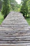 Puente de madera del pie Imágenes de archivo libres de regalías