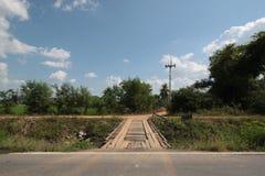 Puente de madera en el país de Tailandia Imagenes de archivo
