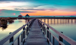 Puente de madera en Khao Sam Roi Yod National Park, Foto de archivo