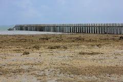 Puente de madera muy largo Imagenes de archivo