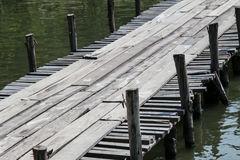 Puente de madera temporal Imagen de archivo