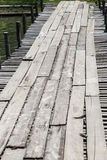 Puente de madera temporal imagenes de archivo
