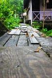 Puente de madera viejo en Tailandia Fotos de archivo libres de regalías