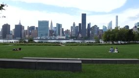 Puente de Manhattan y de Brooklyn metrajes