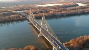 Puente de Megyeri en Budapest almacen de video