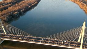 Puente de Megyeri en Budapest almacen de metraje de vídeo