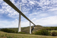 Puente de Millau en el departamento de Aveyron, Francia Imagen de archivo