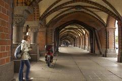Puente de Oberbaum en Berlín, Alemania Foto de archivo libre de regalías