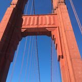 Puente de oro Imagen de archivo libre de regalías