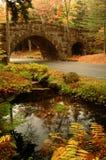 Puente de piedra arqueado Acadia Imagen de archivo libre de regalías