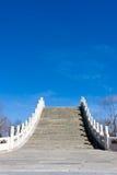 Puente de piedra del arco Fotografía de archivo libre de regalías