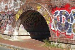 Puente de piedra del ladrillo Fotos de archivo