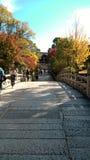 Puente de piedra del lugar sagrado del budista del templo de Oyahon Foto de archivo