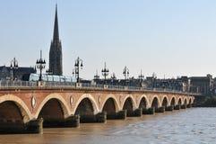 Puente de piedra en Burdeos, Francia fotos de archivo