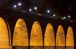Puente de piedra famoso del arco Foto de archivo libre de regalías