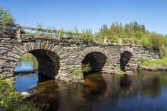 Puente de piedra Jamtland del arco Fotos de archivo