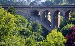 Puente de piedra viejo Imagen de archivo libre de regalías