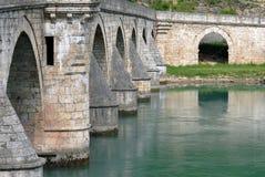 Puente de piedra viejo en Visegrado Fotografía de archivo libre de regalías