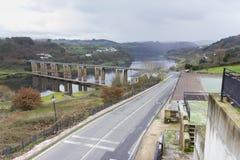 Puente de Portomarin Fotos de archivo libres de regalías