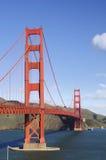Puente de puerta de oro de la punta de la fortaleza - orie del retrato Imagenes de archivo