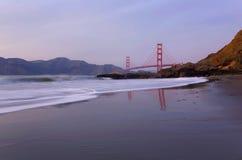 Puente de puerta de oro en la puesta del sol Fotografía de archivo libre de regalías
