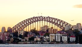 Puente de puerto de Sydney en la salida del sol imagen de archivo