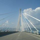 Puente de Río Antirio del día Foto de archivo