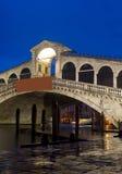 Puente de Rialto en Venecia Imagenes de archivo
