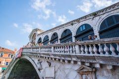 Puente de Rialto en Venecia, Italia Fotografía de archivo libre de regalías