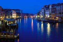 Puente de Rialto - Venecia, Italia Imágenes de archivo libres de regalías