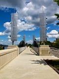 Puente de Riverwalk con arte moderno Imágenes de archivo libres de regalías